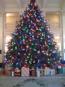 Homestead1-big-christmas-tree