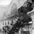 Train_wreck_at_Montparnasse_1895