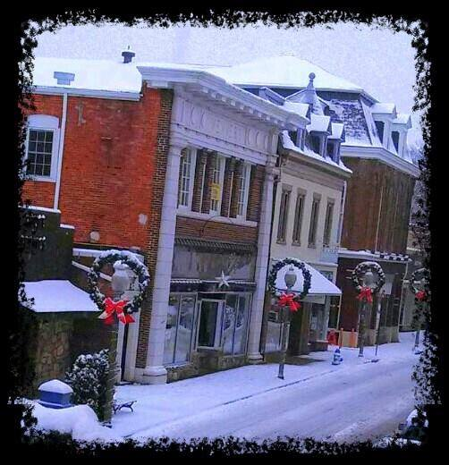 Front-Royal-snowy-streets-