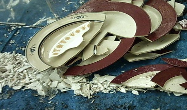 broken-plates